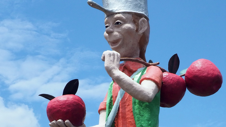 Statue of Johnny Appleseed