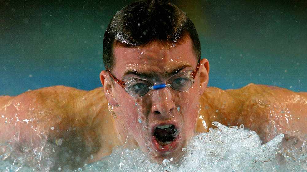 Fran Crippen swims wearing goggles