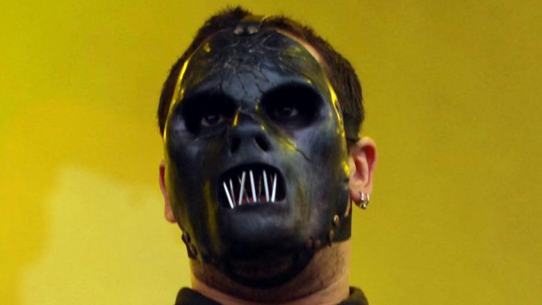 Paul Gray Slipknot wearing mask