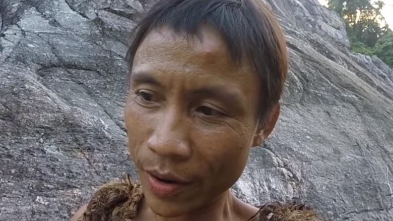 Ho Van Lang looking