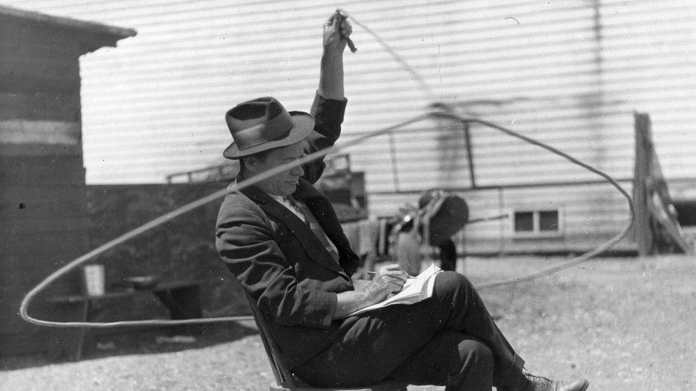 Will Rogers, writin' and ropin'