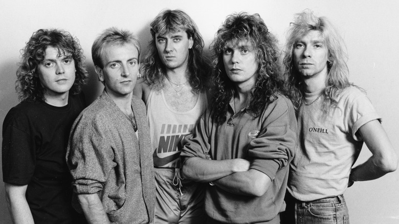 Def Leppard group photo 1987