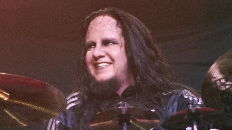 Joey Jordison behind a drum kit