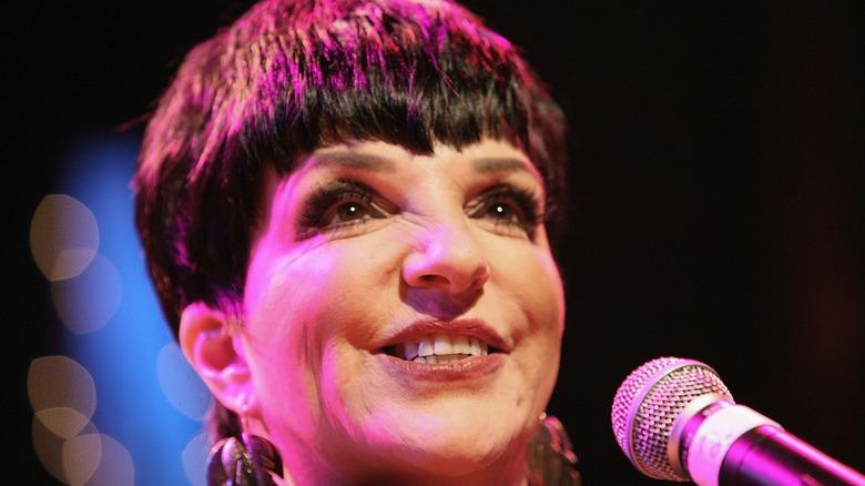 liza minnelli smiling