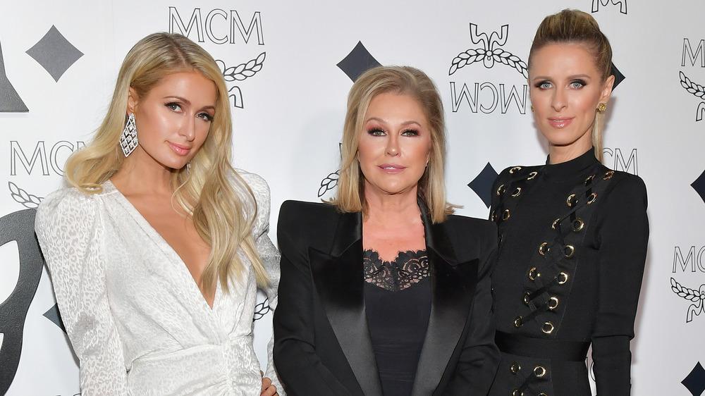 Paris, Kathy, and Nicky Hilton posing