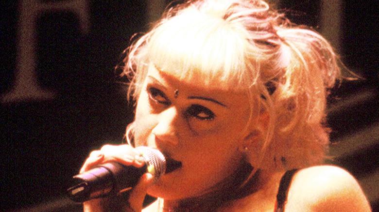 Gwen Stefani singing