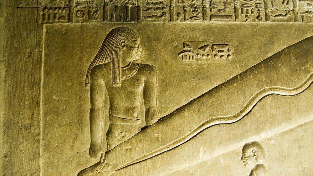 Dendera light carvings