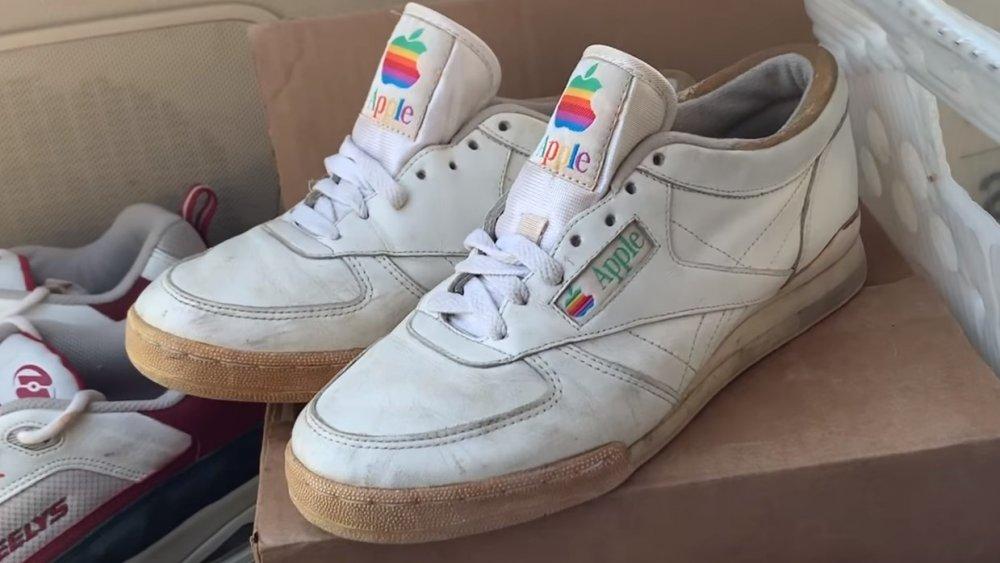 Apple Sneakers