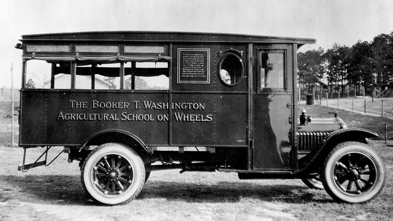 "George Carver Washington's ""moveable school"""