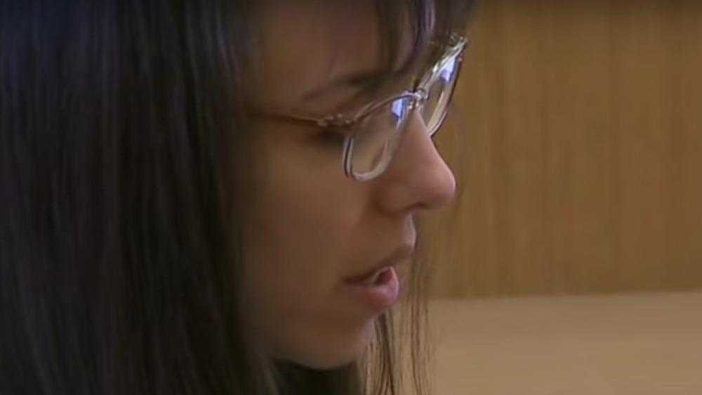 Jodi Arias, glasses