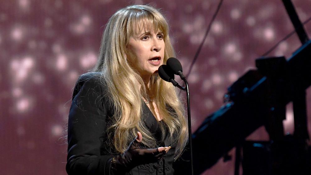 Stevie Nicks Singing
