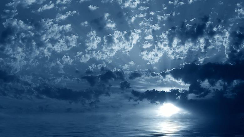 An illusion of ocean light