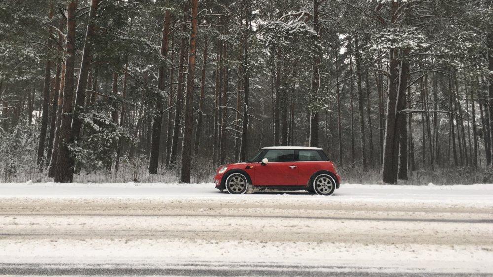 Red Mini Cooper in snow