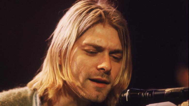 Kurt Cobain singing at mic