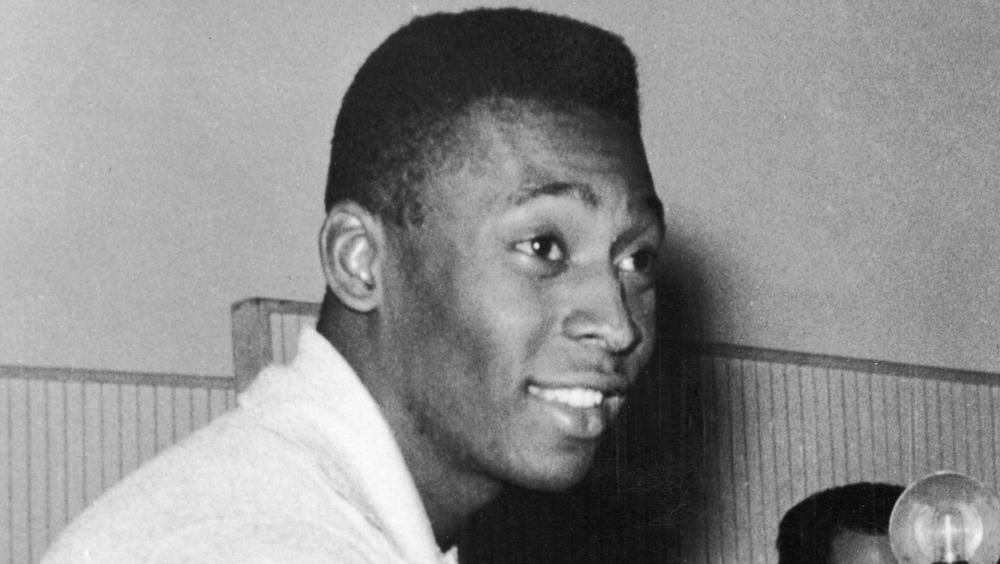 Pelé smiling