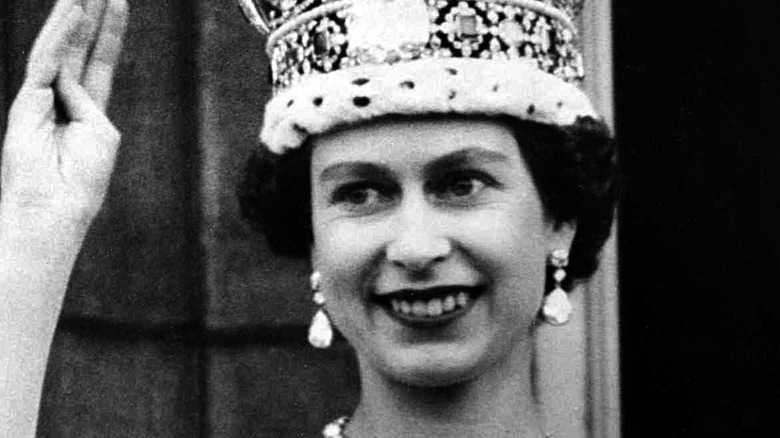 Cropped photo of Elizabeth II after the coronation