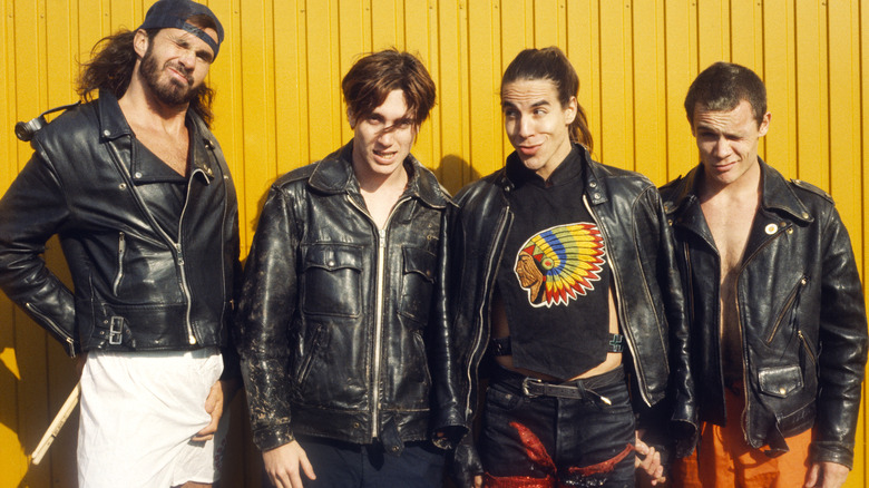 RHCP poses for band photo
