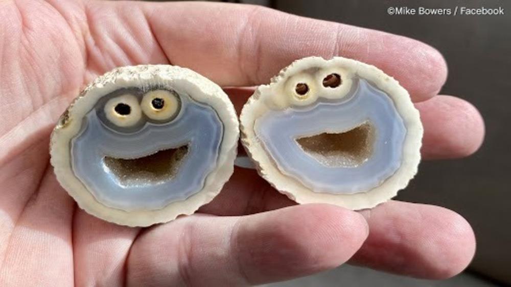 Gemstone resembling Cookie Monster