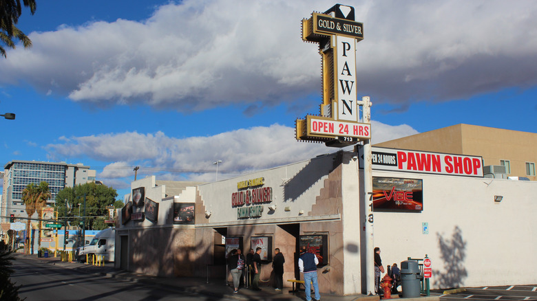 facade of Pawn Stars pawn shop