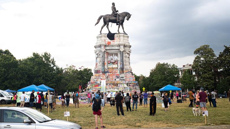 Richmond Robert E Lee statue