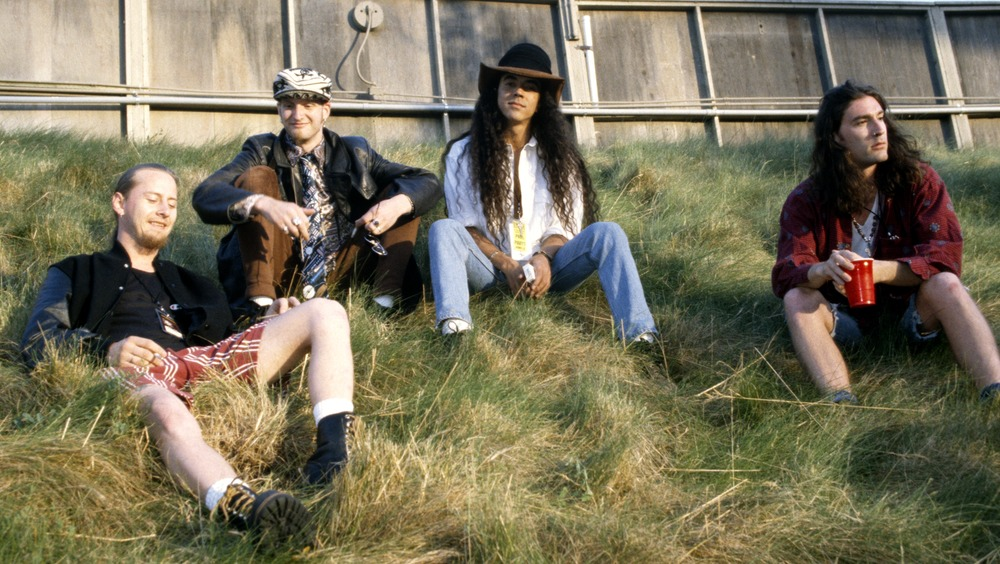 Jerry Cantrell, Layne Staley, Mike Inez, and Sean Kinney of Alice in Chains