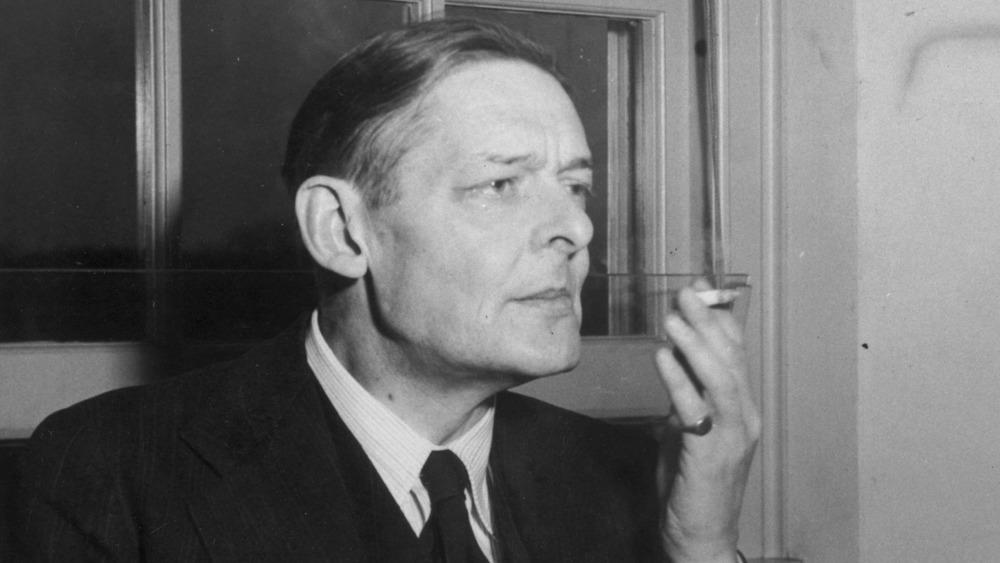 T.S. Eliot, smoking