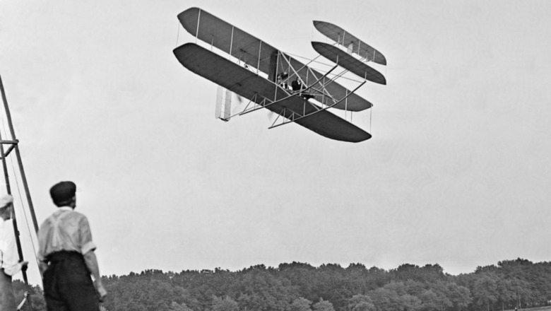 Wright Brothers plane in flight