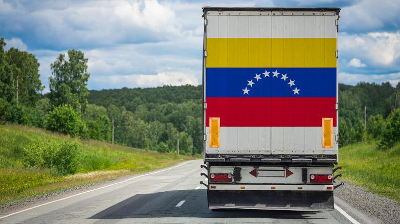 Truck painted with Venezuelan flag