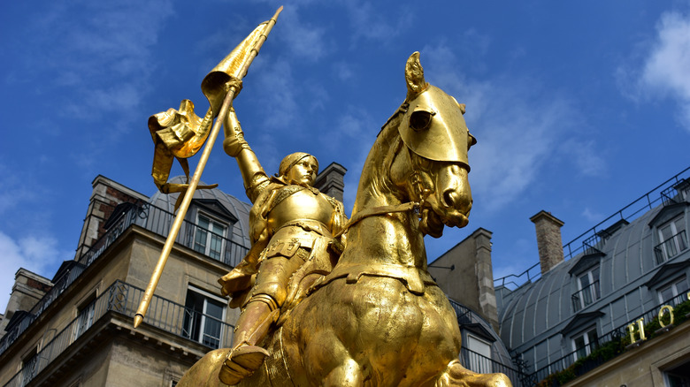 Joan of Arc on horse statue