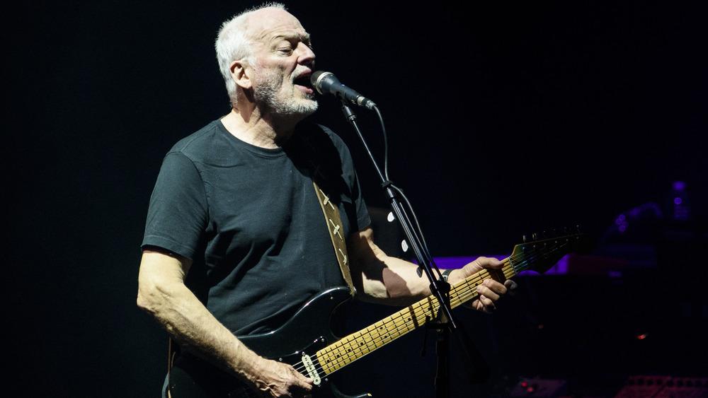 David Gilmour singing