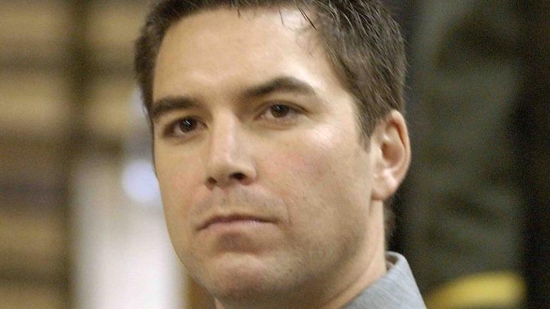 Scott Peterson glaring in court