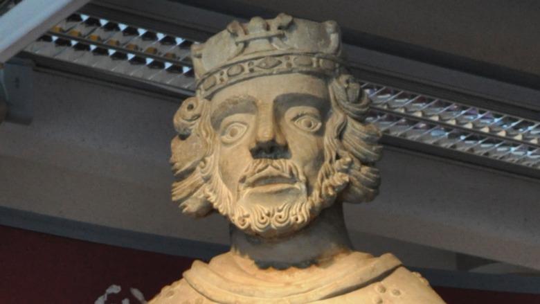 stone statue of Henry VI