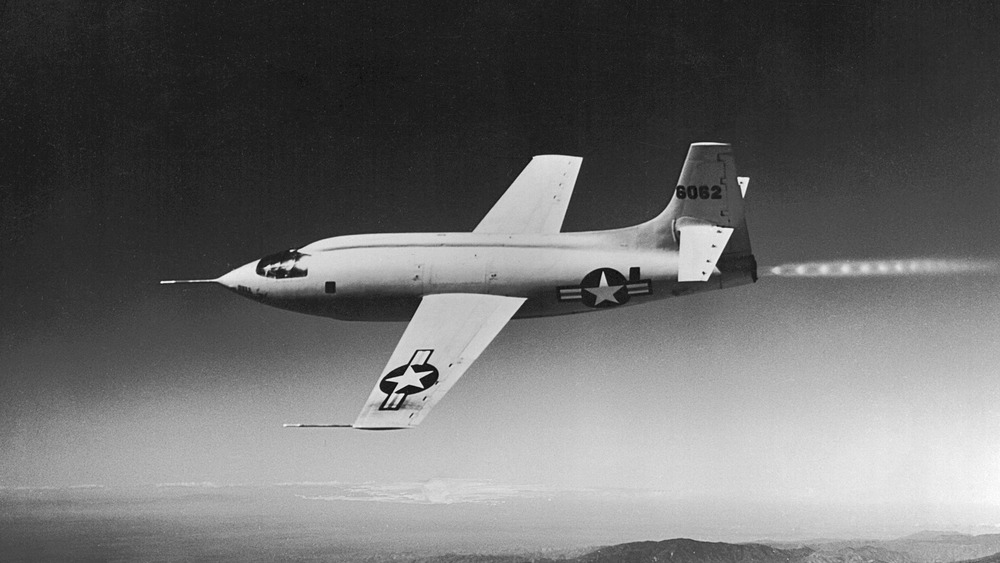 bell x-1 flying in the air