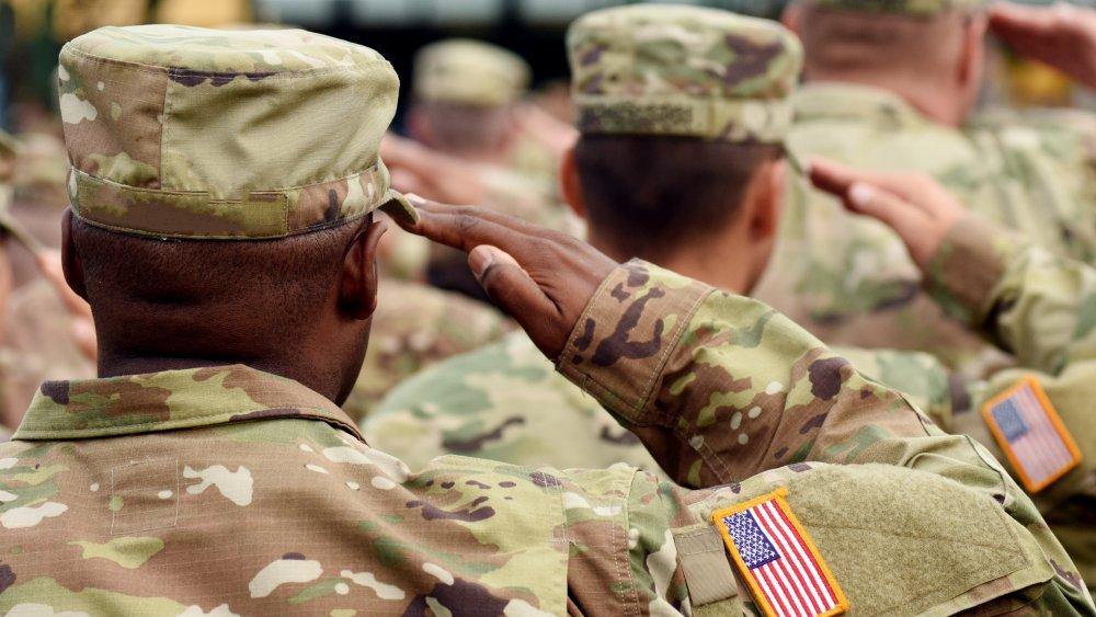 Members of the US Army saluting