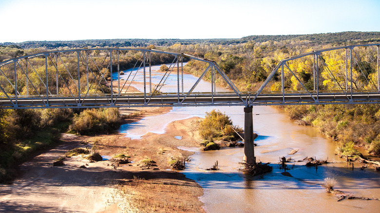 A bridge over the Red River