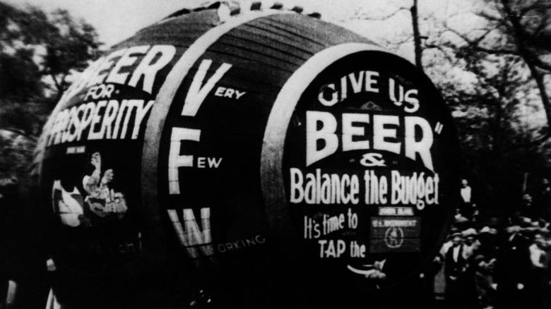 Giant beer barrel, 1920s