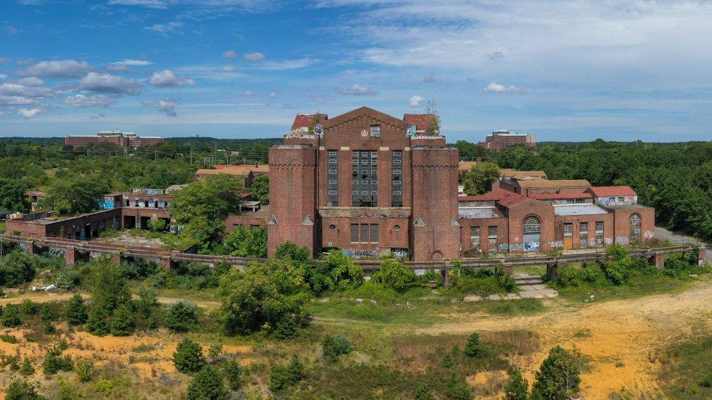 Abandoned portion of Pilgrim State Psychiatric Center
