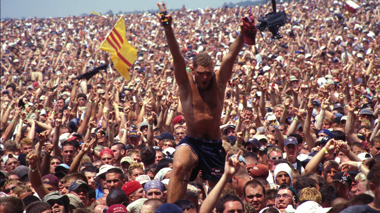 Crowd at Woodstock '99