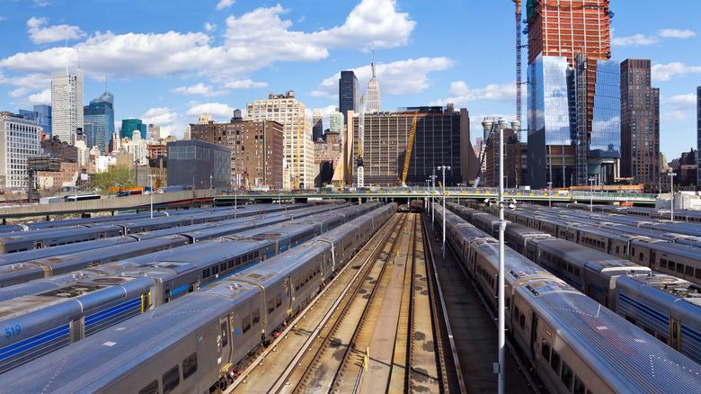 trains and New York skyline