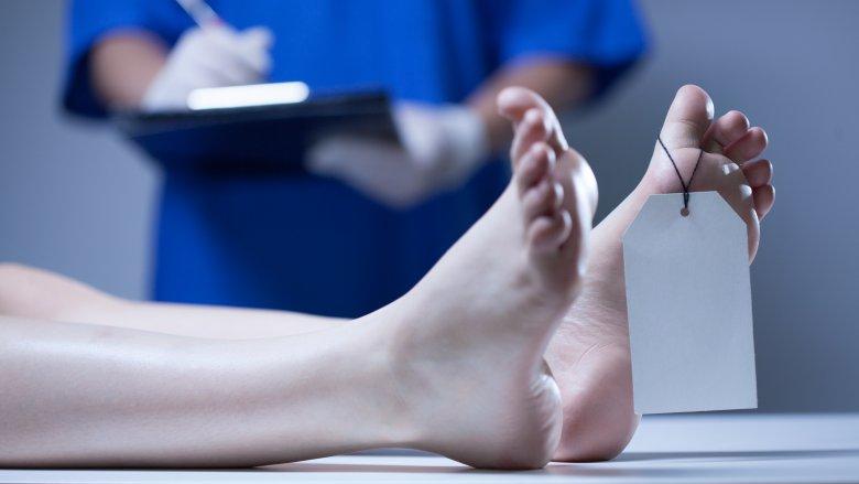 body toe tag