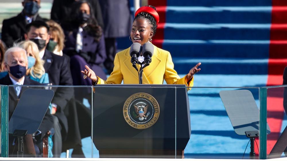 Amanda Gorman addressing inauguration crowd