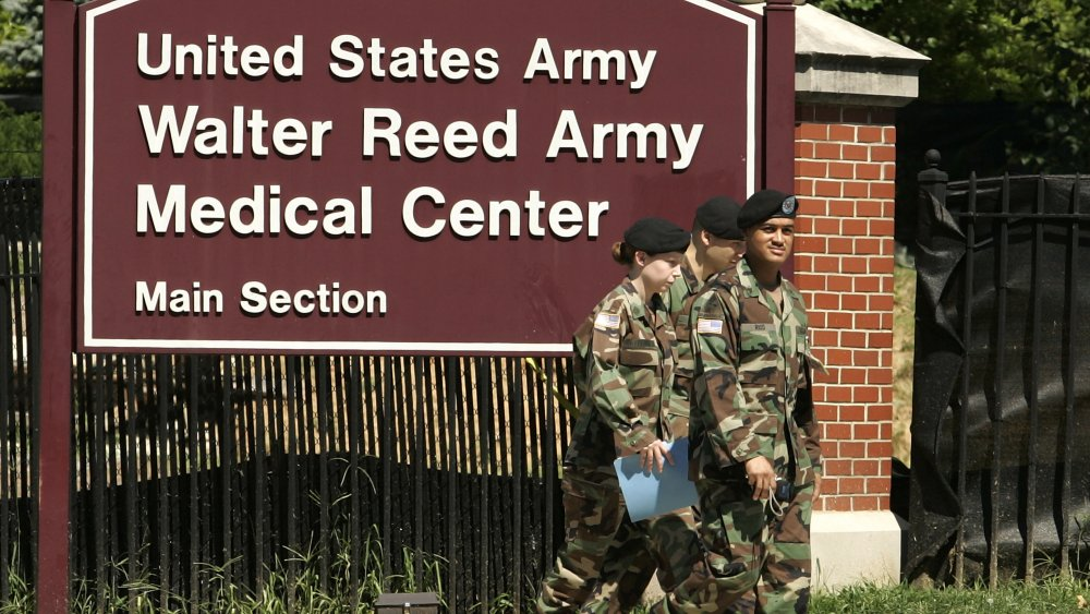 Soldiers outside the walter reed medical center
