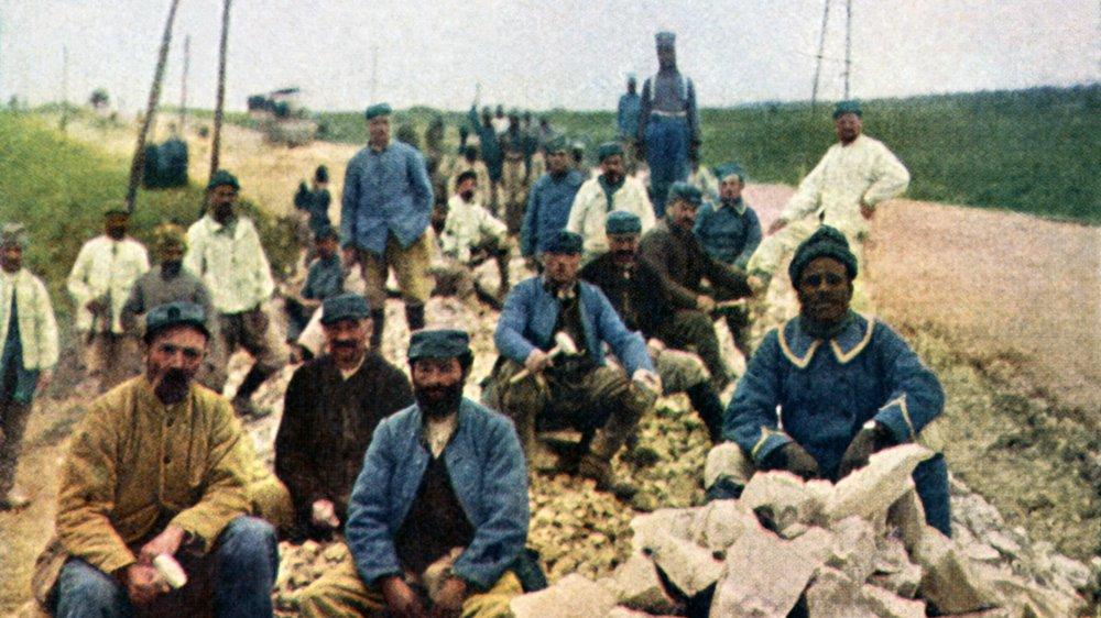 Colorized image of men at Verdun, WW1