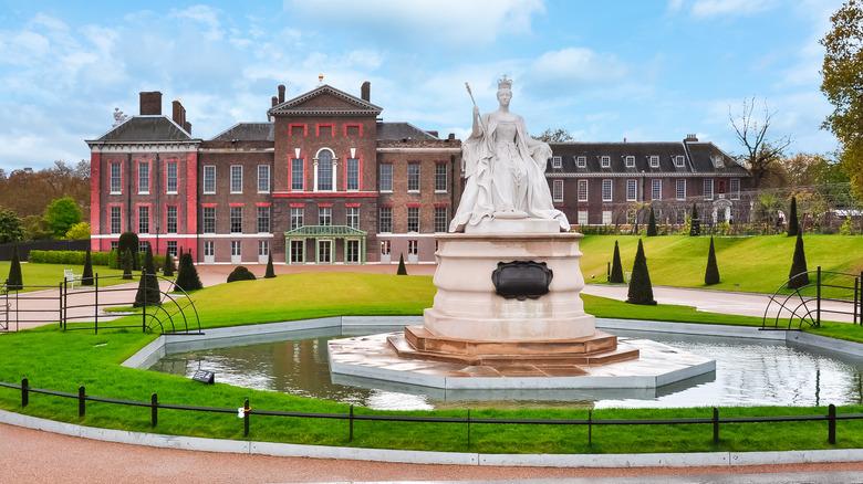 Kensington Palace and grounds