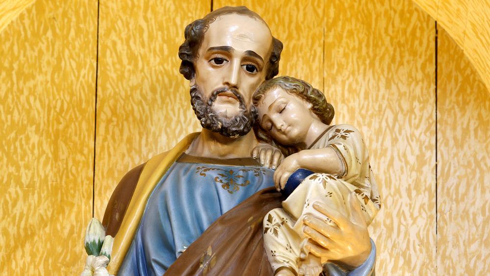 A statue of Joseph and Jesus in Sao Jose, Brazil