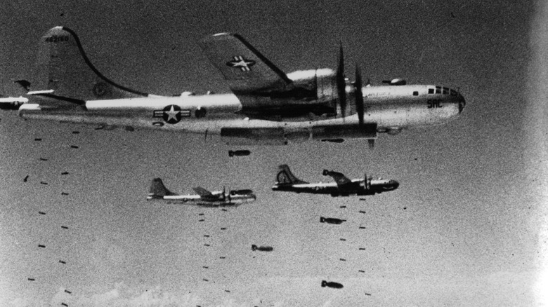 planes dropping bombs in the Korean War